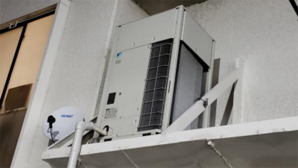 ビル用マルチエアコン室外機!京都・滋賀!業務用エアコン工事はコチラへ!