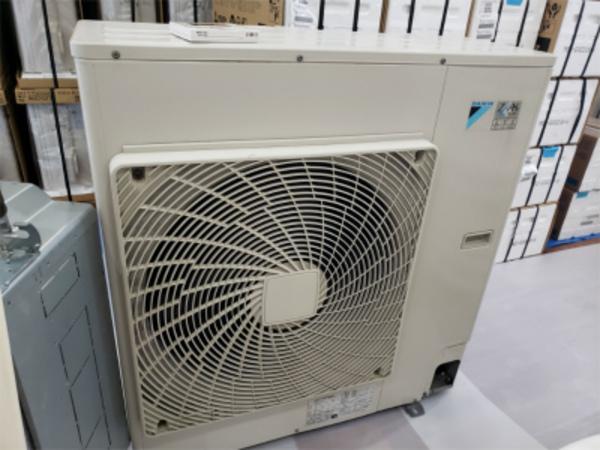当社の店舗用中古エアコン!京都・滋賀!業務用エアコン工事はコチラへ!