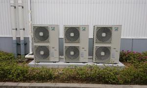 京都の工場で業務用エアコン取付工事頑張ってきました(*^^*ゞ