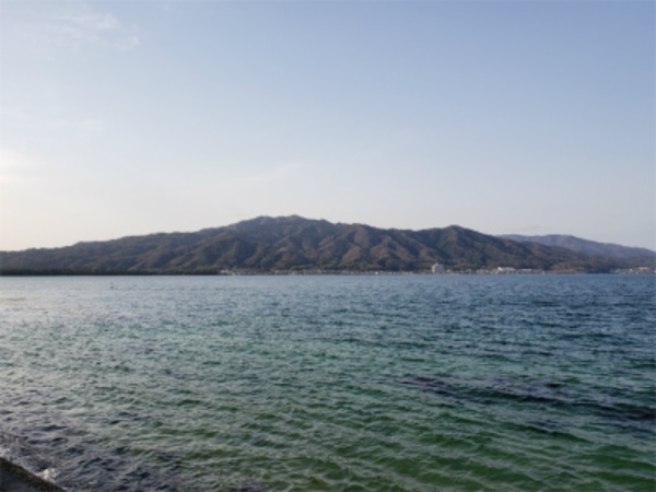 エアコン屋さんの休みはコロナストレス解消へ!春っぽい海!