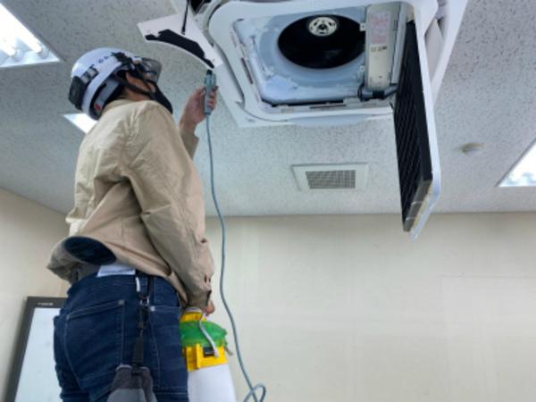 エアコンの通水テスト!京都・滋賀の業務用エアコン工事はデヴァシオン!