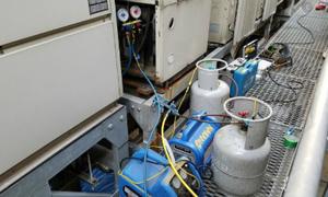業務用エアコンのフロンガス回収作業依頼はデヴァシオンへ!