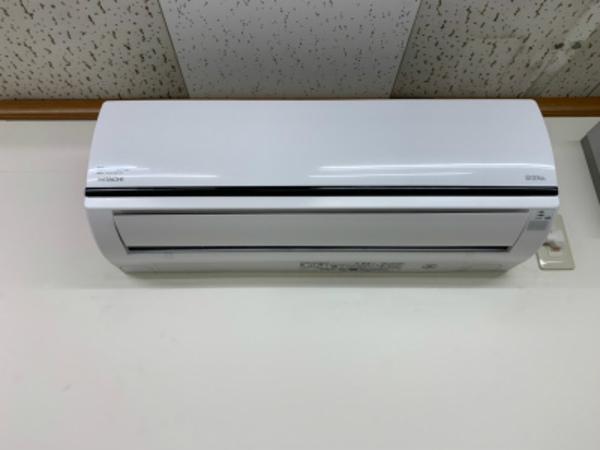 京都府内の某工場で13台のエアコン洗浄!エアコンでお困りの事は京都・滋賀のデヴァシオンまで!