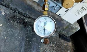 エアコン配管のガス漏しないか窒素ガスにて気密試験!京都・滋賀拠点!エアコンマイスターは空調設備のプロ!