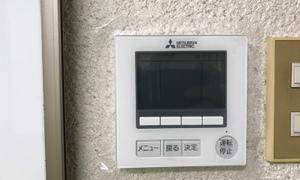 業務用エアコンの最新リモコンと、40年位前のスイッチ!京都・滋賀拠点のエアコンマイスター!