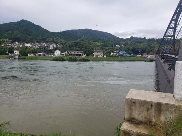 滋賀支店へ通勤途中……今まで最大級の河川水量!