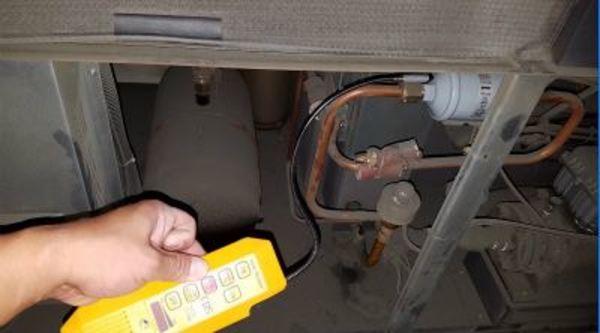 滋賀県の工場で業務用エアコンのフロン漏洩点検!大規模な工場・倉庫などの空調設備はデヴァシオンへ!