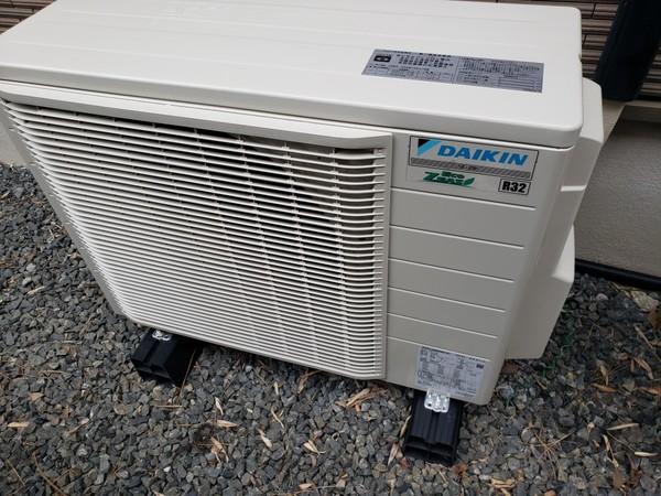 業務用エアコンもほとんどがR410のガスからR32へ!最新エアコンに入替工事完了(^^ゞ