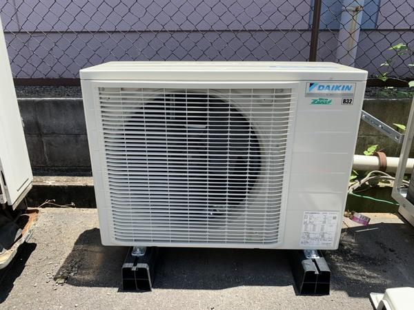 奈良で業務用エアコン取替工事です!京都、滋賀、大阪、奈良などエアコン工事可能です!
